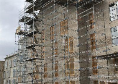 stillads opsætning på byggeplads i brabrand, specialfabrikken